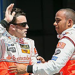 Fernando Alonso ya sabe cuándo correrá dónde, pero no revela con quién