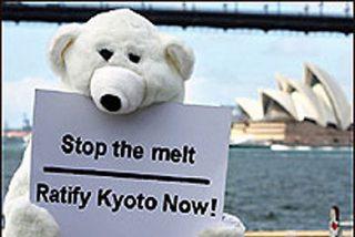 Los osos polares depositan su esperanza en la ratificación del protocolo de Kyoto