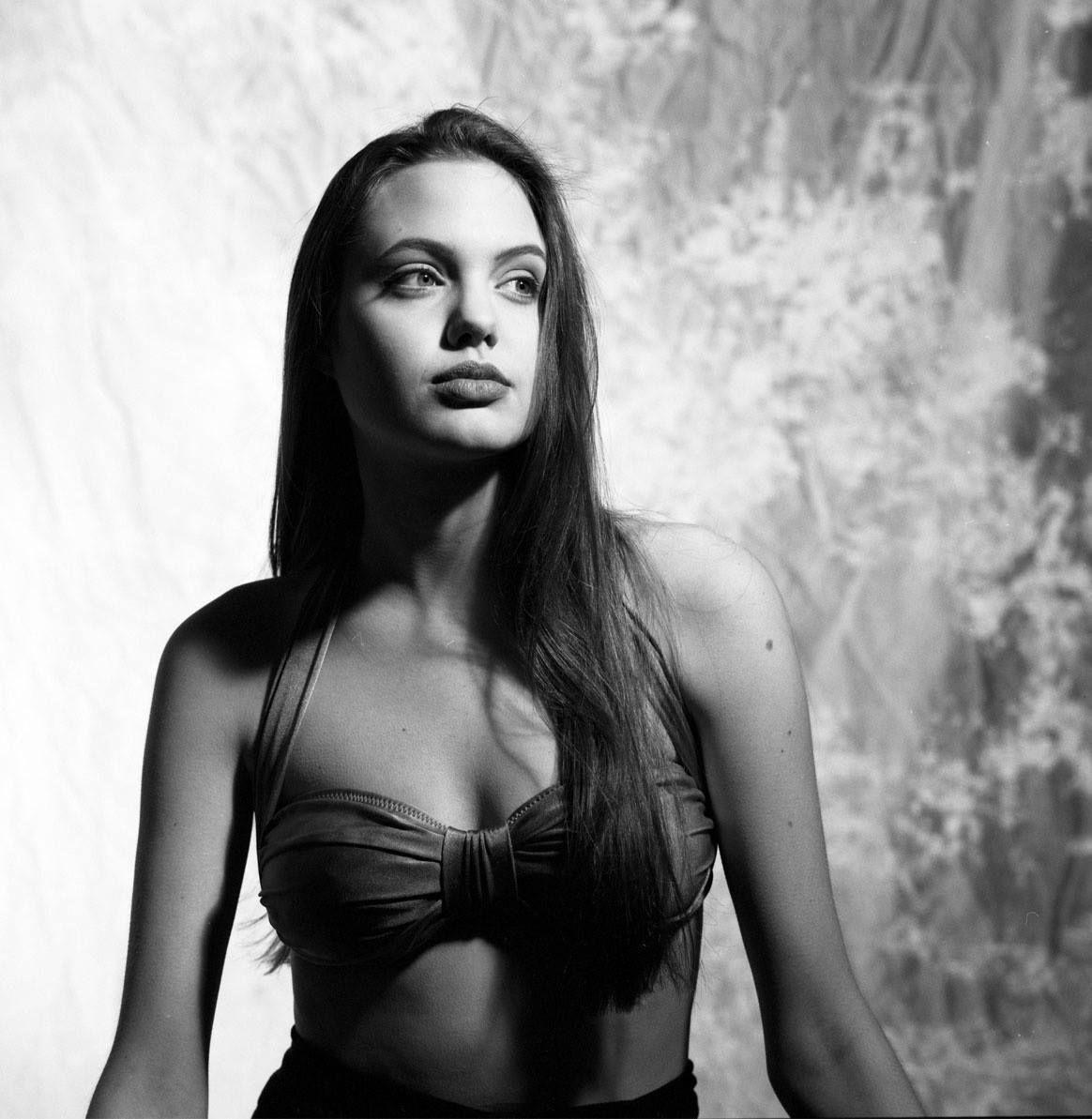Así era Angelina Jolie a los 16 años