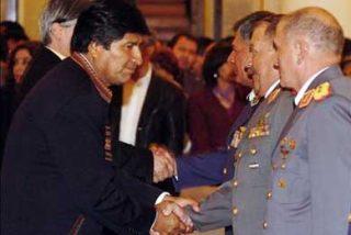 Morales nombra nuevo mando militar y le pide garantizar unidad Boliviana