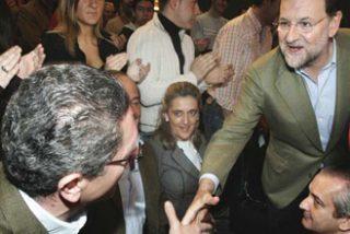 Gallardón y Aguirre zanjan la crisis arropando juntos en un acto a Rajoy