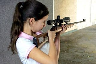 ¡Papi, cómprame un Kalashnikov!