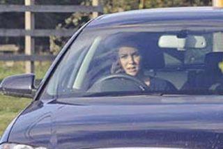 Kate Middleton, fotografiada conduciendo mientras hablaba por el móvil