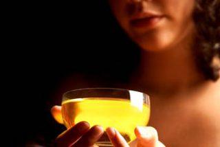 El aceite de oliva retrasa las enfermedades crónicas y aumenta la calidad de vida