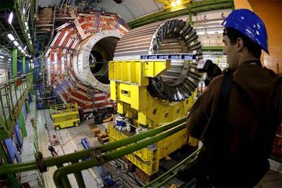 Inauguración deslucida del CERN: 4.000 millones de euros y no funciona