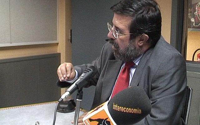 """Enrique de Diego: """"Hay recortes en muchos sectores pero ningún ERE ni en el PSOE ni en el PP"""""""