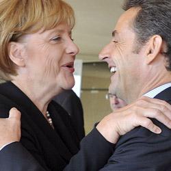 Berlín desmiente las quejas de Merkel sobre los achuchones de Sarkozy