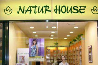 """Los dietistas denunciarán a Naturhouse por su """"falta"""" de profesionales"""