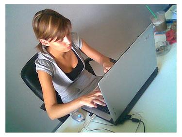 Dolor de cuello y espalda afecta a 60% de usuarios de ordenador
