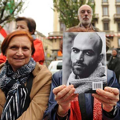 Seis premios Nobel ofrecen su apoyo a Saviano, amenazado de muerte por la Mafia