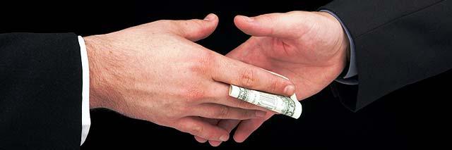Un tercio de las empresas españolas ha perdido negocios por no pagar sobornos