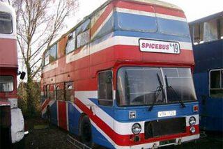 El autobús de las 'Spice Girls' sale a subasta