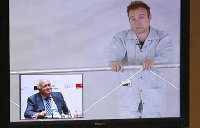 Moratinos traslada a Suiza la explicación sobre el escándalo de la cúpula de Barceló