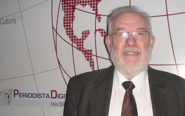 """Carlos Berzosa: """"Hoy en día nadie apoya el plan Bolonia"""""""