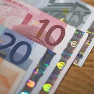 Los 400 euros que regaló Zapatero se pierden por no actualizar las tarifas y deducciones del IRPF