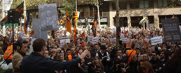 """Rebelión contra los grilletes mediáticos de la CAC: """"Somos ciudadanos, no súbditos"""""""