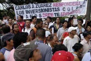 """Uribe dice que las """"pirámides"""" financieras son parte de la """"cultura mafiosa"""""""
