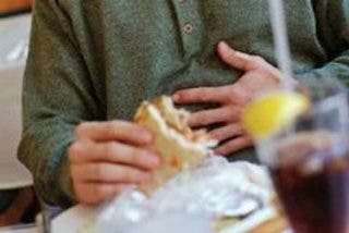 El dolor estomacal crónico se agrava con las comidas