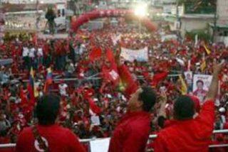 Los venezolanos acuden masivamente a las urnas