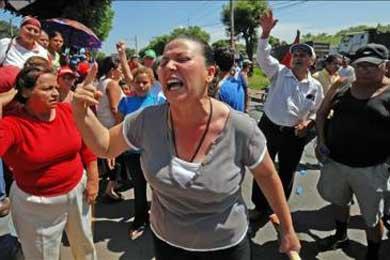 Nicaragüenses esperan los resultados de los comicios con denuncias de manipulación