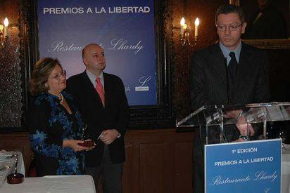 El restaurante Lhardy, los Premios a la Libertad y la enigmática sonrisa de Alberto Ruiz-Gallardón