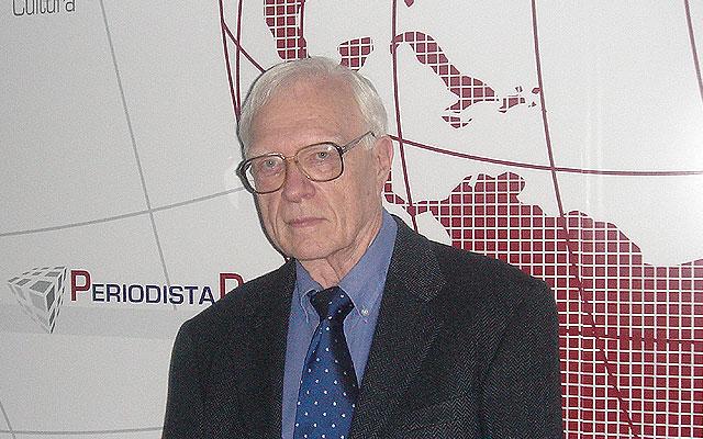 """Stanley Payne: """"Resulta grotesco que un juez como Garzón esté a favor de anular la Transición"""""""