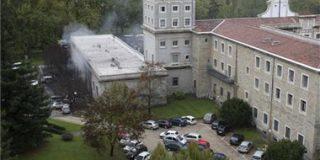 248 personas afectadas por inhalación de gases en el edificio de la Universidad de Navarra donde atentó ETA