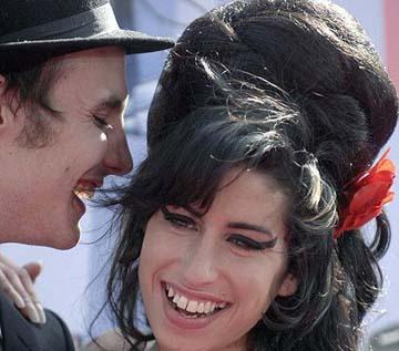 El marido de Amy Winehouse sale de la cárcel