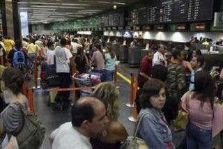 Falsa amenaza de bomba en dos aviones causa alarma en aeropuerto peruano