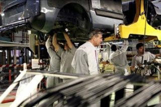 La producción industrial cae un 12,8% en octubre
