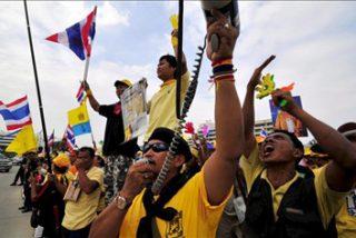 Los manifestantes se retiran del aeropuerto de Bangkok