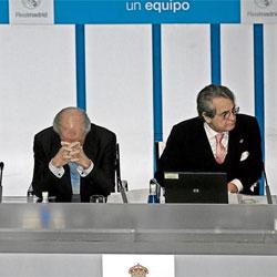 Calderón les declara la guerra a sus críticos utilizando métodos chavistas