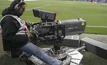La Sexta contraataca en la guerra del fútbol con cuatro partidos en abierto este fin de semana