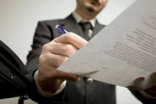 Justicia suspende la rebaja de los aranceles de notarios y registradores