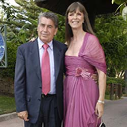 Manolo Santana se separa de su tercera mujer a los 70 años