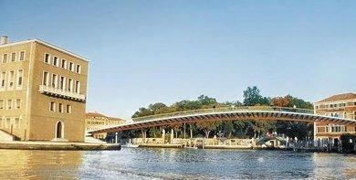 El proyecto del puente de Calatrava de Venecia es erróneo, según un informe