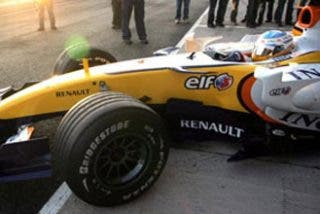 Alonso, por delante de los McLaren en Montmeló