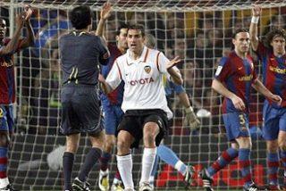El Barça evita la derrota ante el Valencia en el último minuto