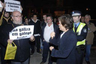 La kale borroka gallega le propina una paliza a un joven que se manifestaba por la libertad lingüística