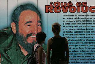 Fidel Castro critica a todos en su primer artículo tras su adiós