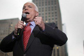 John McCain parece no tener rival en las primarias republicanas