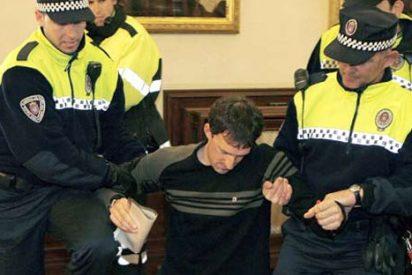 Expulsados del Pleno de Pamplona dos concejales de ANV tras interrumpir la sesión