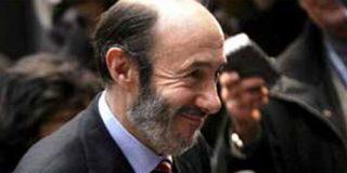 Rubalcaba se cachondea de las propuestas de Rajoy