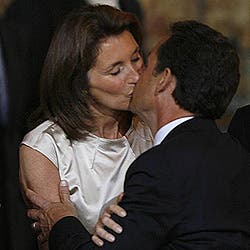 Sarkozy retira la denuncia por la publicación de su 'sms' a Cécilia
