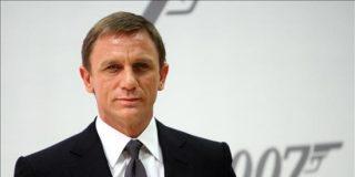 James Bond cambia su Ashton Martin por un Ford Ka, más barato y ecológico