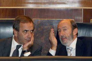 Zapatero coloca a su amigo Alonso en la primera línea política del Congreso