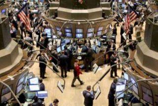 En Wall Street creen que el declive del dólar puede acelerarse y convertirse en pánico