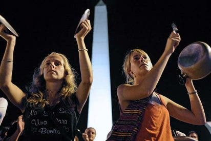 Primera cacerolada contra la presidenta Kirchner en Argentina