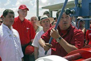 Correa, Uribe y Chávez se ven hoy en Cumbre del Grupo de Río