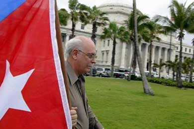 Exiliados cubanos piden que se celebre un plebiscito para decidir el futuro Cuba